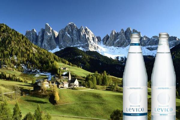 36 bottiglie d'acqua Levico a casa tua!