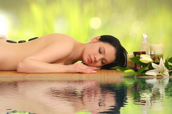 Massaggio freddo per gambe leggere!