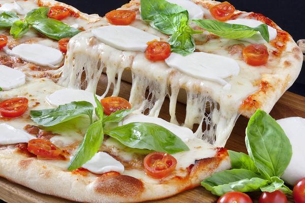 1/2 metro di Pizza Bigusto + Coca Cola