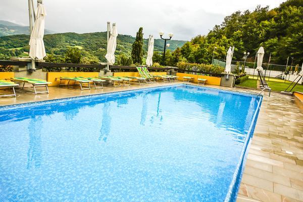 Relax e pranzo in piscina!