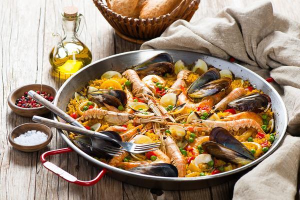 Paella x2 con carne, pesce e verdure